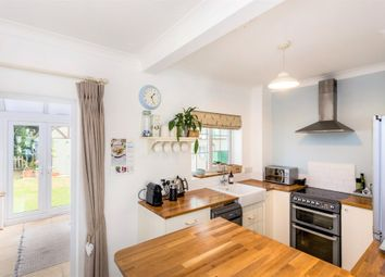 4 bed terraced house to rent in Avon Place, River Street, Pewsey SN9