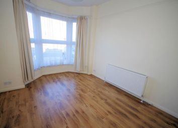 Thumbnail 1 bed flat to rent in Long Lane, Finchley