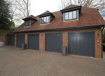 Thumbnail 1 bed flat to rent in Oakhill Road, Sevenoaks