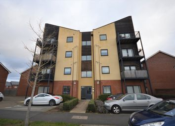 2 bed flat to rent in Edge Street, Aylesbury HP19