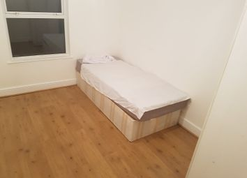 Thumbnail Room to rent in Morley Avenue, Edmonton Green, London