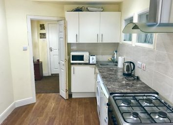 Thumbnail Studio to rent in Chase Road Chigwell, London