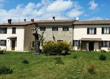 Thumbnail Farm for sale in Nibbiano, Piacenza, Emilia-Romagna, Italy