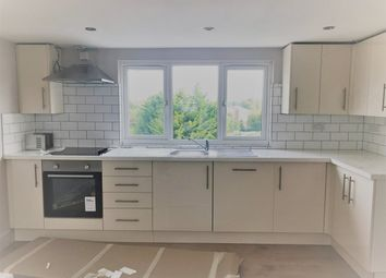 Thumbnail 3 bedroom flat to rent in Oakleigh Road North, London
