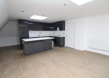Thumbnail 3 bed flat to rent in Rodway Road, Bromley