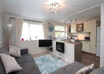 Thumbnail 1 bedroom flat for sale in Valley Green, Hemel Hempstead