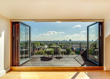 Thumbnail 3 bed flat for sale in Parliament Hill, Hampstead, London