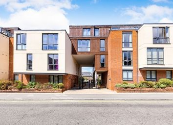 Thumbnail 2 bed flat to rent in The Bars, Guildford