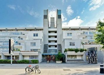 Foundling Court, Brunswick Centre, Bloomsbury, London WC1N. 2 bed flat