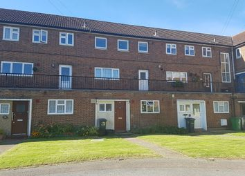 Thumbnail 2 bed flat to rent in Whitefields Road, Cheshunt, Waltham Cross