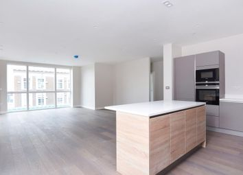 Thumbnail 3 bed flat to rent in Devonshire Place, London