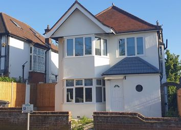 3 bed detached house to rent in Edgeworth Avenue, Hendon, London NW4
