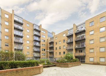 2 bed flat for sale in Cassilis Road, London E14