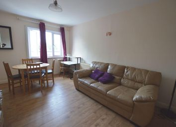 3 bed flat to rent in Wood Street, Walthamstow E17