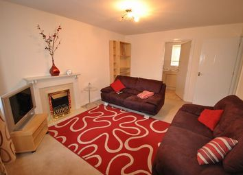 Thumbnail 2 bedroom flat to rent in Inverewe Place, Dunfermline, Fife