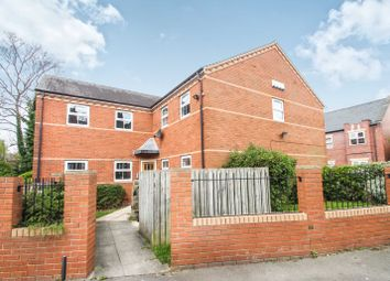 Thumbnail 3 bed flat to rent in St. Michaels Crescent, Headingley, Leeds
