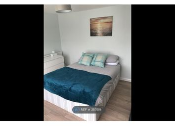 Room to rent in Fisher Close, Middlesex UB6