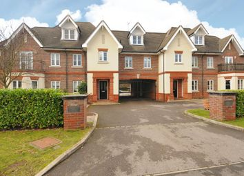 Thumbnail 2 bed flat to rent in New Road, Ascot