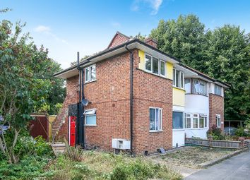 Thumbnail Maisonette for sale in Runnymede, Colliers Wood