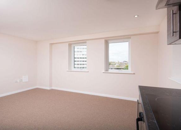 Thumbnail 2 bed flat to rent in Richmond Road, Halifax