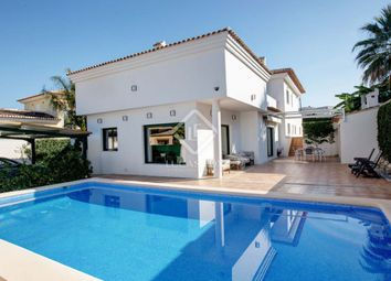 Thumbnail 6 bed villa for sale in Spain, Costa Blanca, Dénia, Den8800
