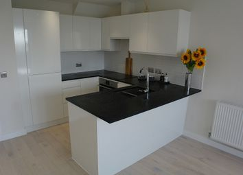 2 bed flat to rent in North Street, Horsham RH13