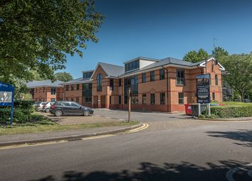 2 bed flat to rent in Riverside, Cores End Road, Bourne End SL8