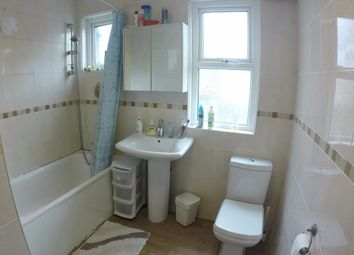 Thumbnail Room to rent in Chatsworth Gardens, London