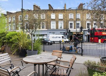 Thumbnail 6 bed flat to rent in St Pauls Road, London