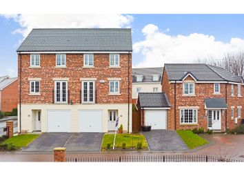 Thumbnail 3 bedroom town house for sale in Murray View, Leeds