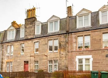 2 bed flat to rent in Ballantine Place, Perth PH1