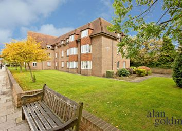 Birnbeck Court, Finchley Road NW11. 1 bed flat