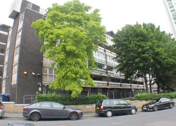 Thumbnail 3 bedroom flat to rent in Nightingale Vale, London
