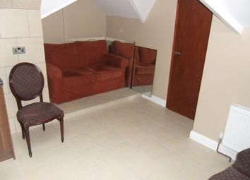 Thumbnail 2 bed flat to rent in Wokingham Road, Reading