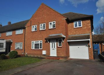 Thumbnail 6 bed property to rent in Hornbeam Road, Guildford