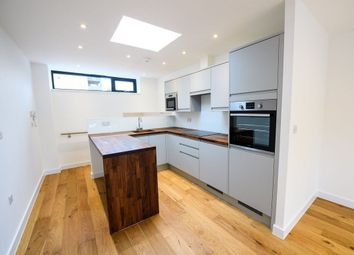 Thumbnail 2 bed property to rent in Lordship Lane, London