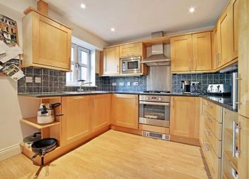 Thumbnail 3 bed flat to rent in Swan Street, London