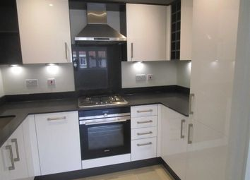 2 bed maisonette to rent in Worple Road, Staines Upon Thames, Middlesex TW18
