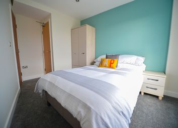 Room to rent in 2 Broomhall Street, Sheffield S3