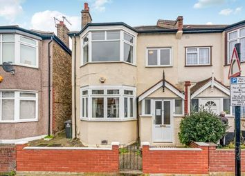 Thumbnail 1 bedroom flat for sale in Bishops Park Road, London