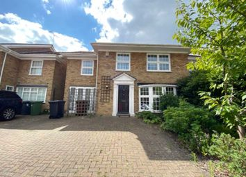Berkeley Close, Elstree WD6. 4 bed semi-detached house