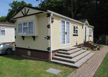Thumbnail 2 bed mobile/park home for sale in Kingsmead Park (Ref 5905), Elstead, Godalming, Surrey