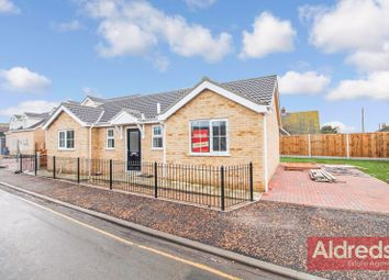 3 bed detached bungalow for sale in California Road, California, Great Yarmouth NR29