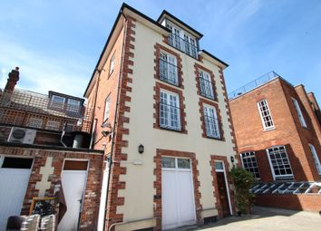Thumbnail 3 bedroom flat to rent in Jewry Street, Winchester