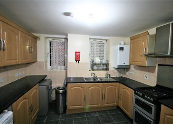 Thumbnail 6 bed shared accommodation to rent in Hollybush Gardens, London