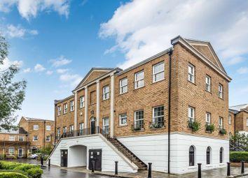 Sophia Square, London SE16. 2 bed flat for sale