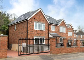 Thumbnail 5 bed detached house to rent in Tunnel Wood Road, Watford