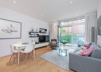 Thumbnail 1 bed flat for sale in Hepworth Court, Grosvenor Waterside, 30 Gatliff Road, London