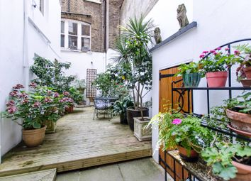 Thumbnail 3 bed flat for sale in Chelsea Embankment, Chelsea