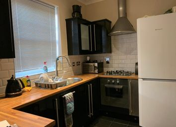 Thumbnail 2 bed flat to rent in Seven Hills Road, Iver